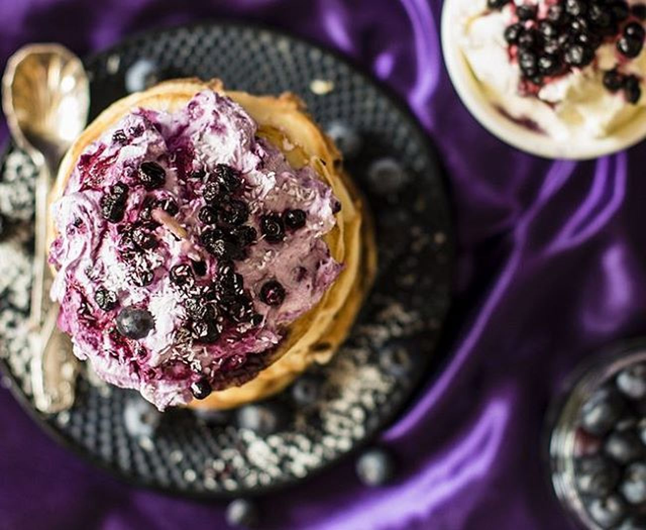 Yes, please: pancakes with blueberry cream cheese. Pancakesforpresident Pancakyday Foodrockstars Foodphotography Purple Foodie Blueberry Sin  Breakfast Todiefor Pancakes Veggie Colours Yummy Sundaymorning Fruit Cleaneats Pancakes With Cream Cheese Fruit Purple Satin Satin Satin Look Foodblog My Favorite Breakfast Moment