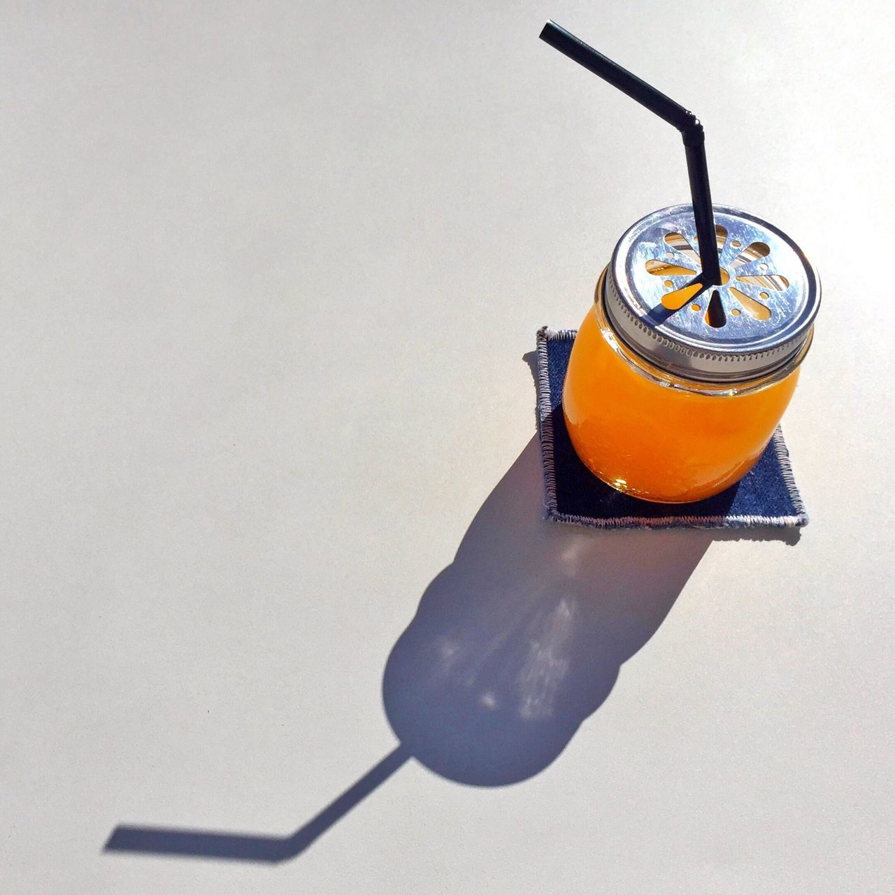 Monday is a good day to start a good week, good morning my followers ! Orange & Lemon juice Good Morning Orange Juice  Haveaniceday Breakfast Breakfastofchampions Sunny Day Sunny