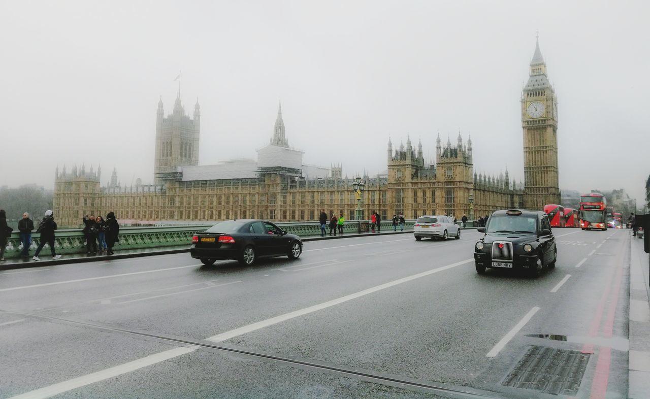 Westminster Westminster Westminster Abbey Westminster Bridge Westminsterbridge Westminsterabbey Stefanopagliucaphotography Huawei Huaweip9lite Huaweip9litephoto Mode Of Transport Transportation City Bus Traffic Car Clock Tower Fog Day Outdoors Streetphotography LONDON❤ Urban Urban Photography Urban Landscape Love