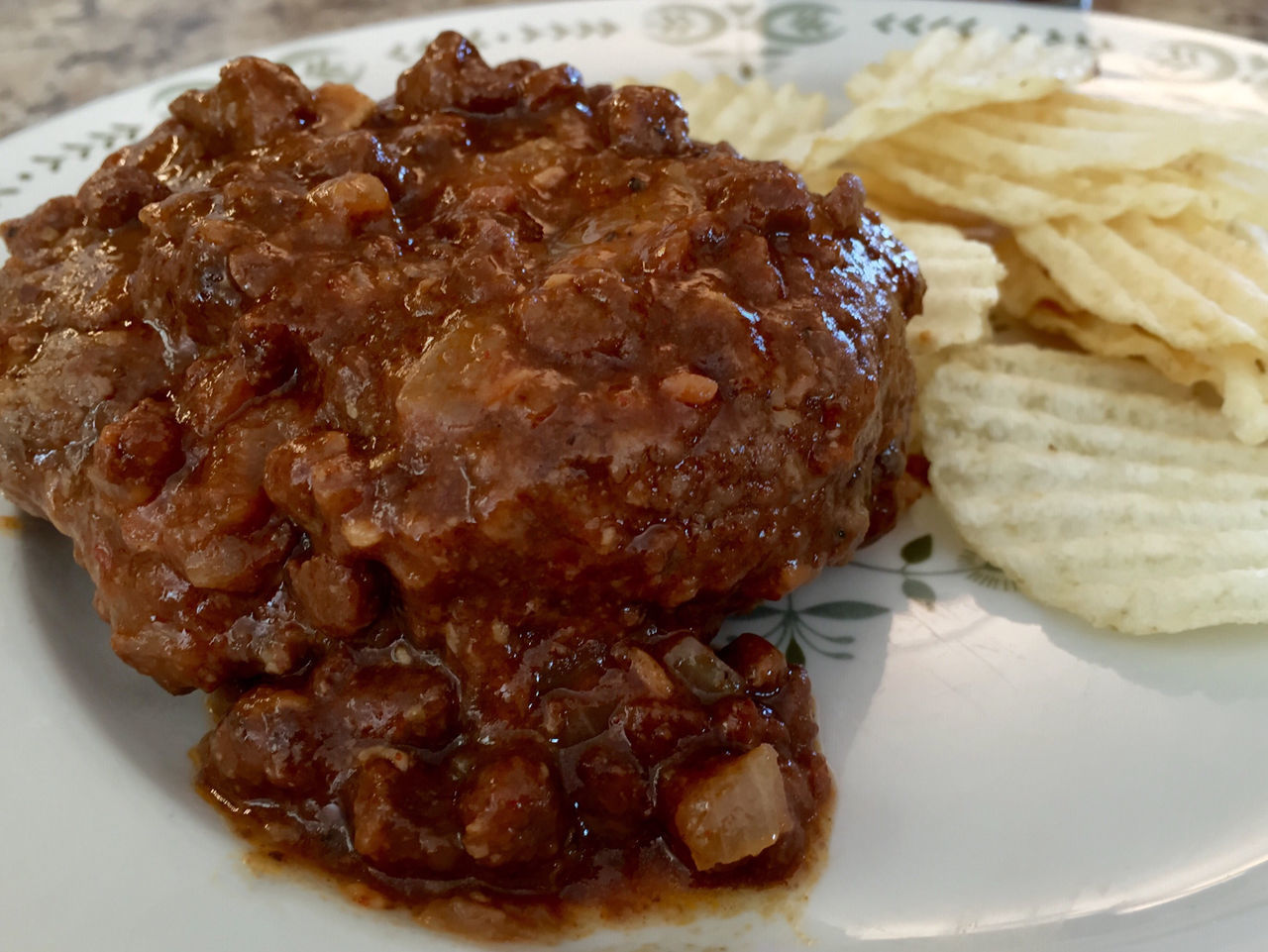 Hamburger steak topped with chili Chili  Close-up Focus On Foreground Food Freshness Hamburger Hamburger Steak Indulgence Meal No People Plate Ready-to-eat Selective Focus Served Serving Size Snack Still Life Temptation