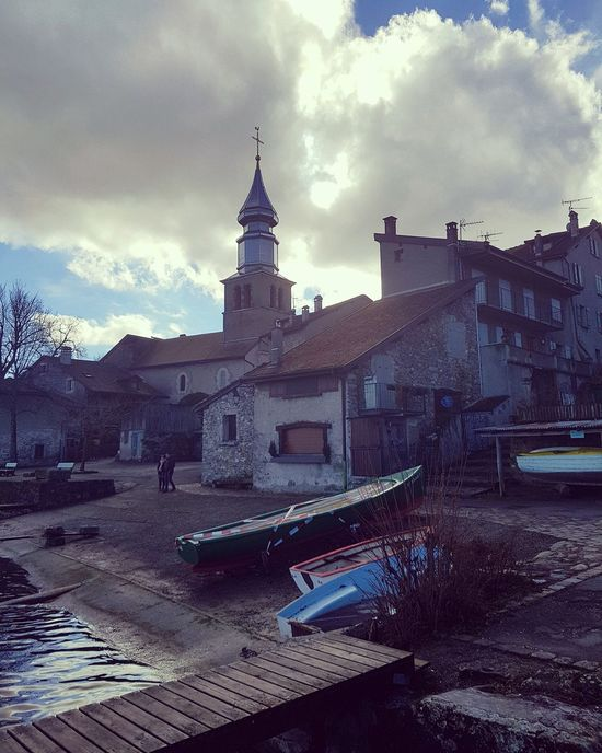 A small fishing village in winter Cloud - Sky Wanttogofishing No People Warmtoday Yvoire France🇫🇷 Smalltown Gloomy Gloryagain Waitingforspring Waitingforspring Flowercity Flowercity Lake Leman Withson Impressed Europe