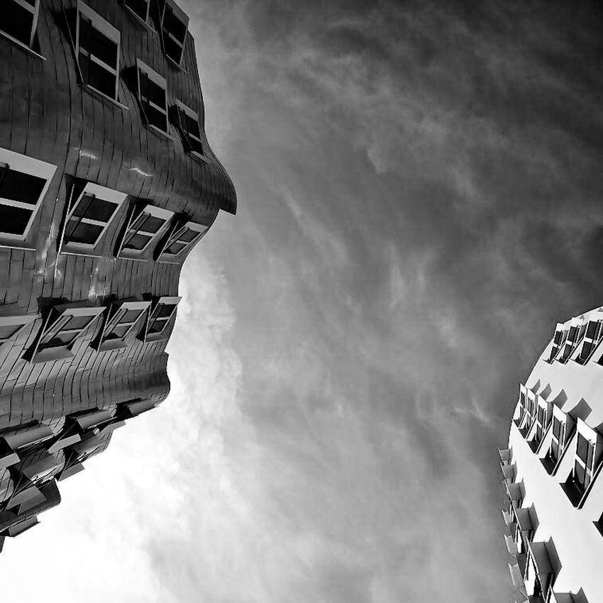 Look Up...Again🙌🏻🎈 Amazing Architecture The Architect - 2015 EyeEm Awards NEM Architecture Architecture_bw Architecture_collection Architecture Bw_collection EyeEm Best Shots - Black + White Black & White EyeEm Bnw