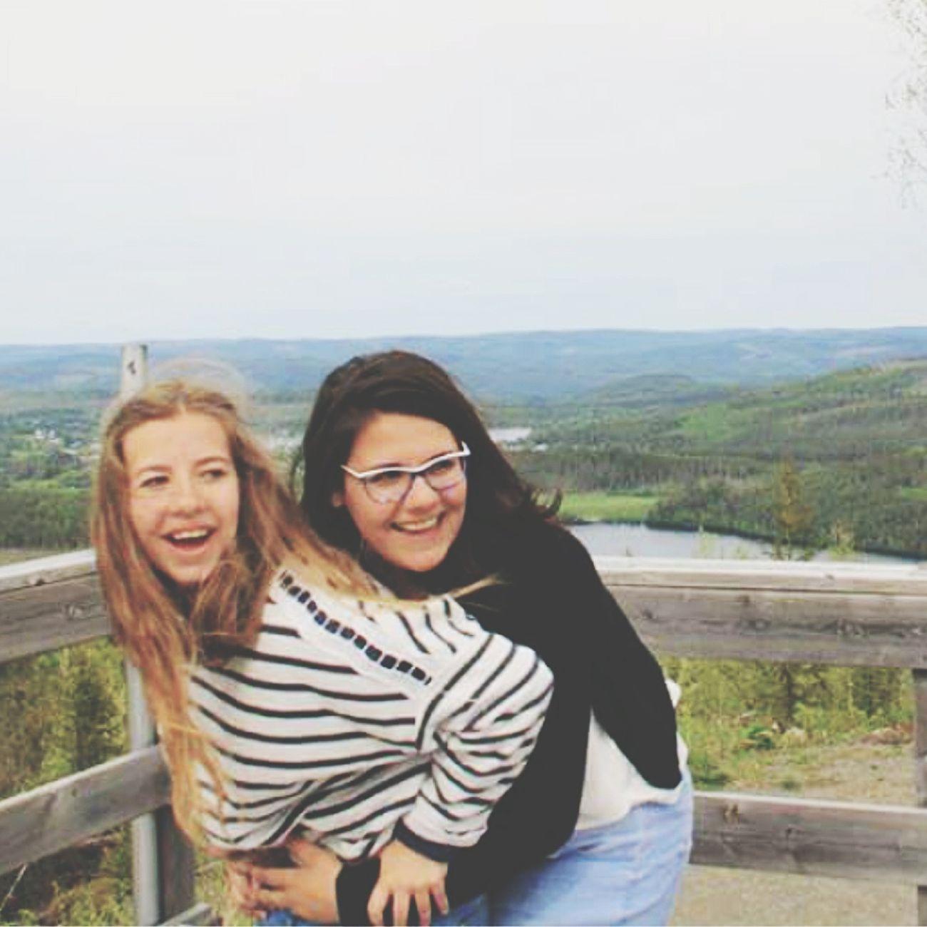 Plus qu'une amie, comme une soeur. Suède