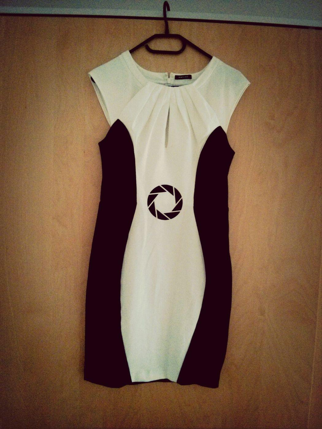 Wie ein reguläres, elegantes Damenkleid zum super nerdy Teil wird ;) Cosplay Casual Cosplay
