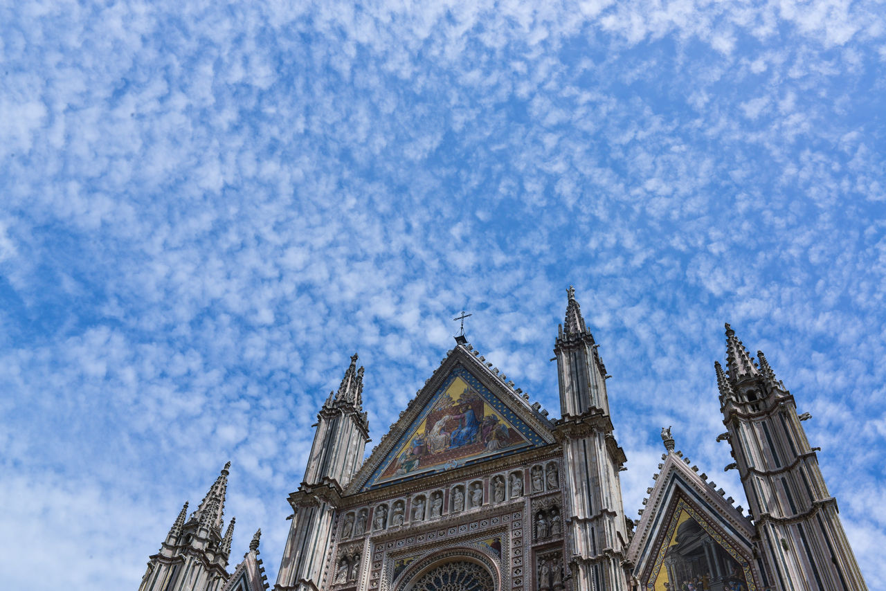 Architectural Feature Cathedral Cloud - Sky Doumo No People Orvieto Italy Outdoors Place Of Worship Tourism Travel Destinations