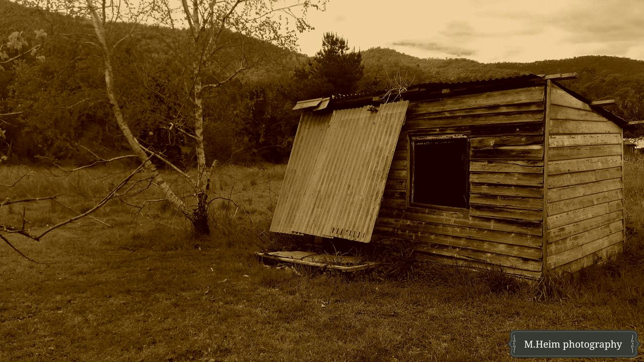 Sepiatone Cubby House Hills Mobile Photography
