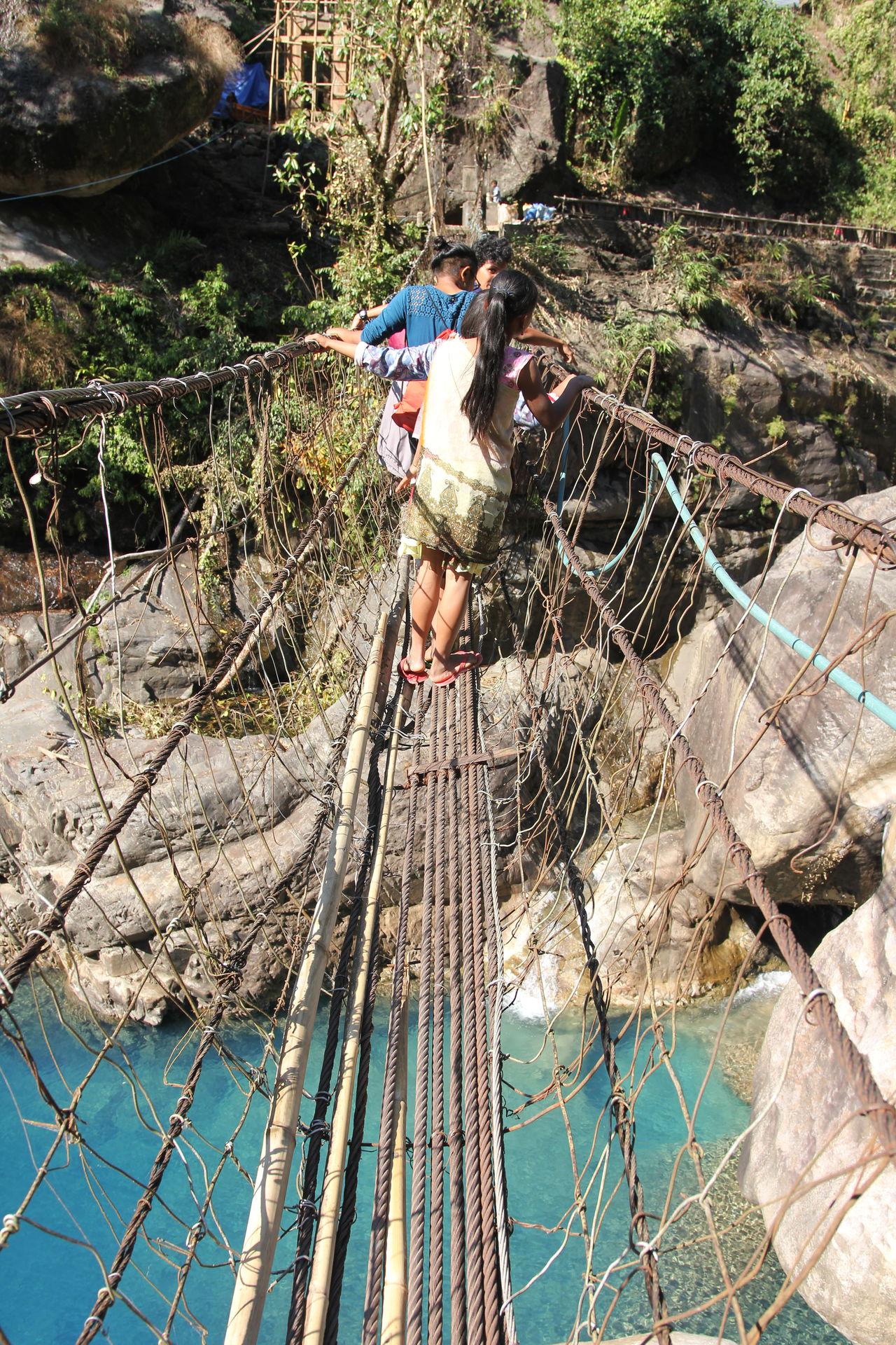 #dailycommute #khasipeople #meghalaya #nongriat Metalbridges Outdoors Real People Transportation