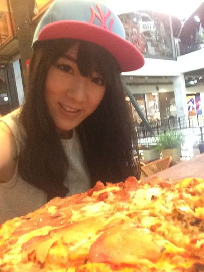 Thin Thin Pizza Yummy Pizza Eat Delicious