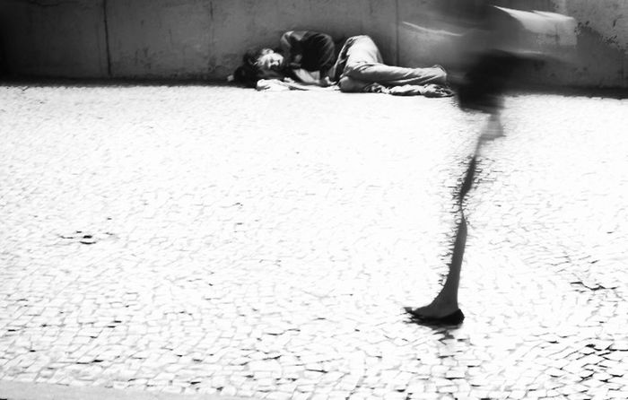 Cotidiano .. Brazil . Centro do Rio de Janeiro = World .. Open your eyes ! Blackandwhite World Real Río De Janeiro-Brasil MyPhotography Blackandwhite Photography Darkness And Light Shades Of Grey Blackandwhitephotography First Eyeem Photo
