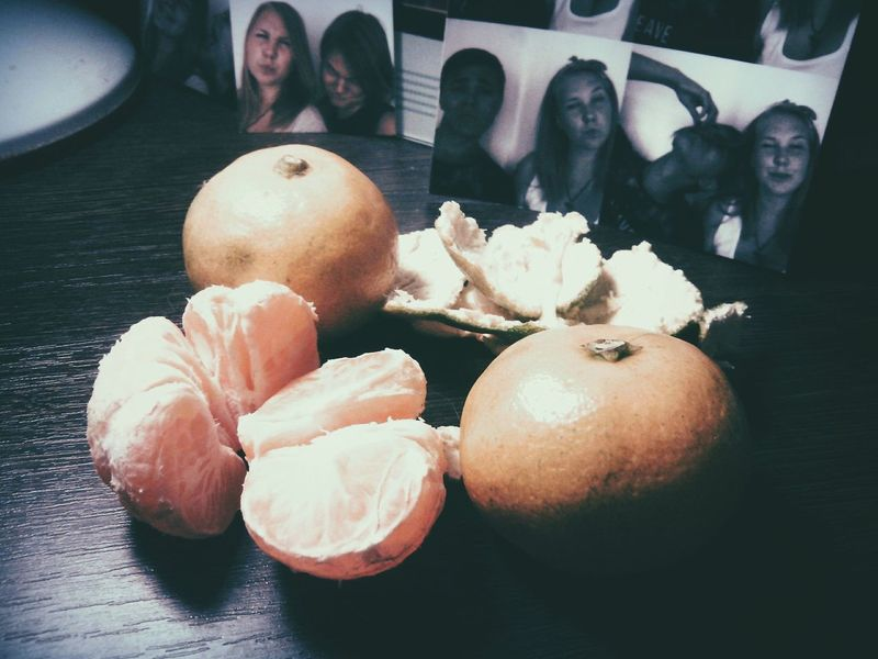 Tangerine Fruts Citrus Fruits Photo Boy And Girl Friends Autumn October