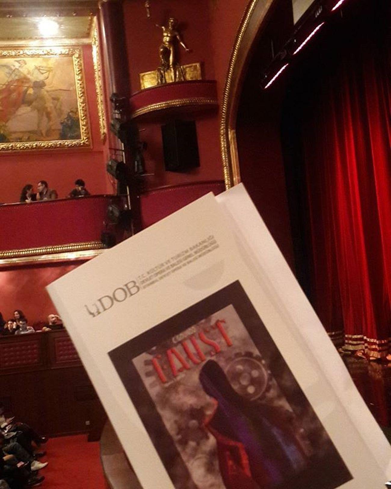 Uzun uğraşlardan sonra bilet alabildiğimiz ve gelmeyi başarabildiğimiz Faust 😄 Fransızca olduğunu bilmiyordum ama... 😂 Devletoperavebalesi Goethe Opéra Music Art Stage Müzik Instaturkey Instagramers Turkishfollowers Ig_turkey