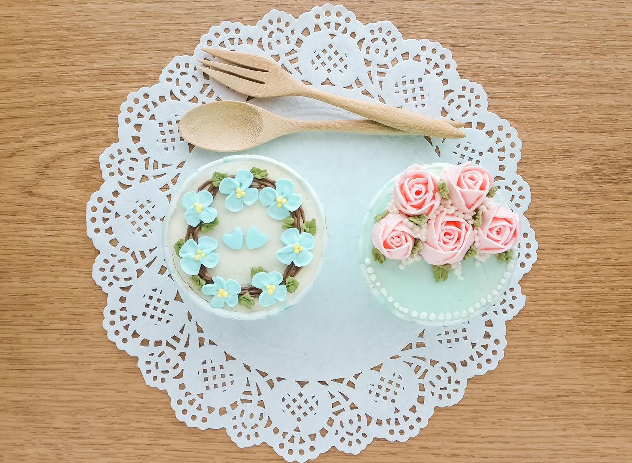 Beautiful stock photos of rosen, plate, indoors, table, sweet food