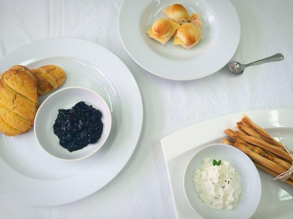Merienda 😳 Snacks! Tea Time Foodphotography Snacktime Food Blanco Colores Y Texturas Colours Claros Yummy Panescreativos Breads Check This Out Sweet