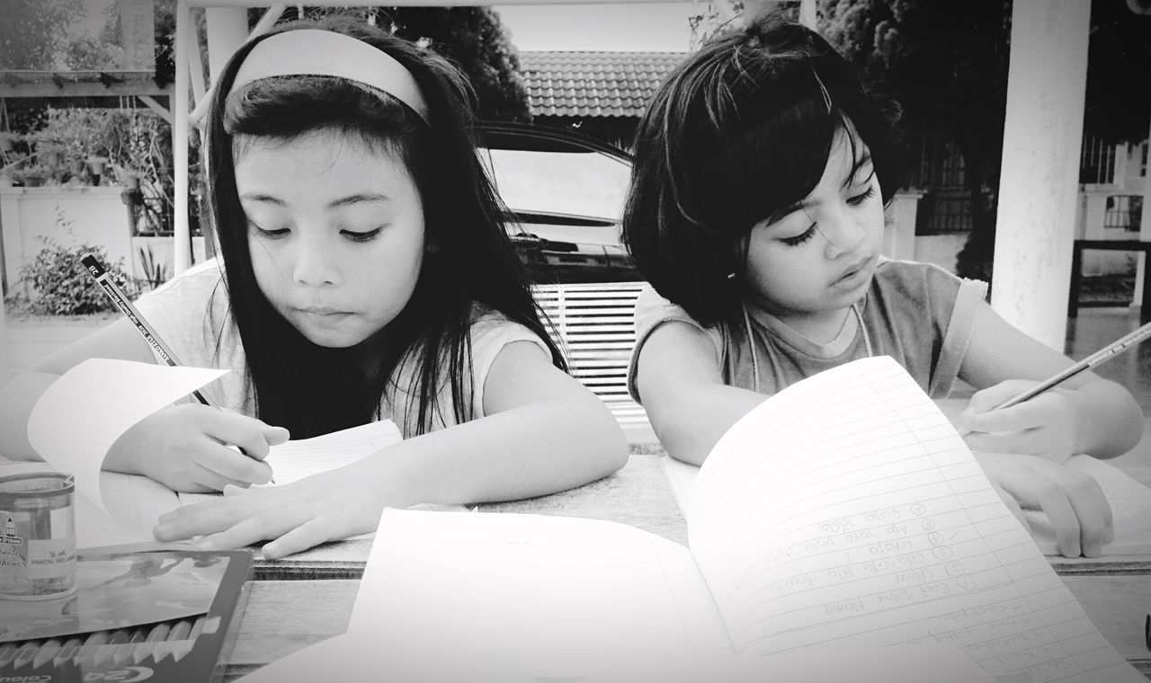 Basic strength... Unity Love and they are Cousins  Firstfriends my Nieces Taking Photos Hanging Out EyeEm Weekend IPhone Belong Anywhere Showcase: December Snapshots Of Life Beautiful Day Hello World Picturing Individuality IPhoneography Monochrome Blackandwhite GrowingUp Kids Girls