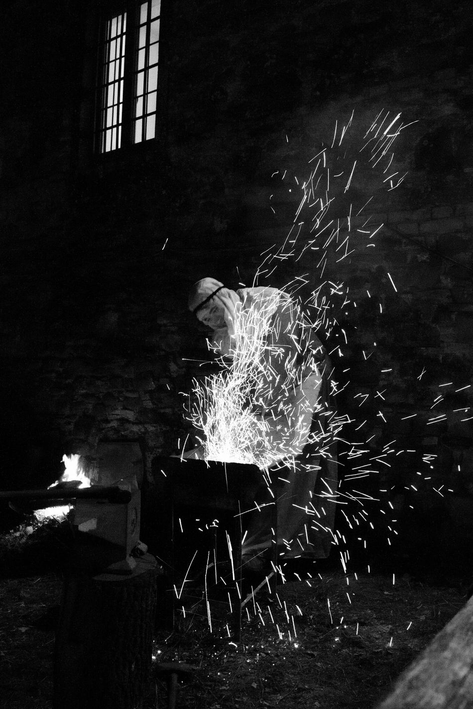 Presepe vivente a Villa Collemandina- Living Nativity in Villa Collemandina Black & White Black And White Black And White Photography Christmas Christmastime Garfagnana Italia Italy Living Nativity Natale  Nativity Night Night Photography Nightphotography Portrait Presepe Presepevivente Presepio Reportage Storytelling Tuscany Villa Collemandina The City Light Welcome To Black