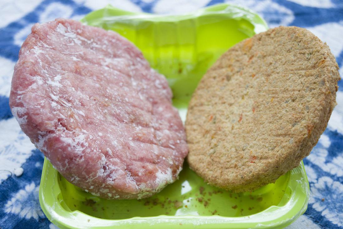 defrosten hamburgers vegetables and of beef Beef Bowl Burgers Defrost Frozen Ground Hamburger Meat Minced Mixed Plastic Vegan Vegetables