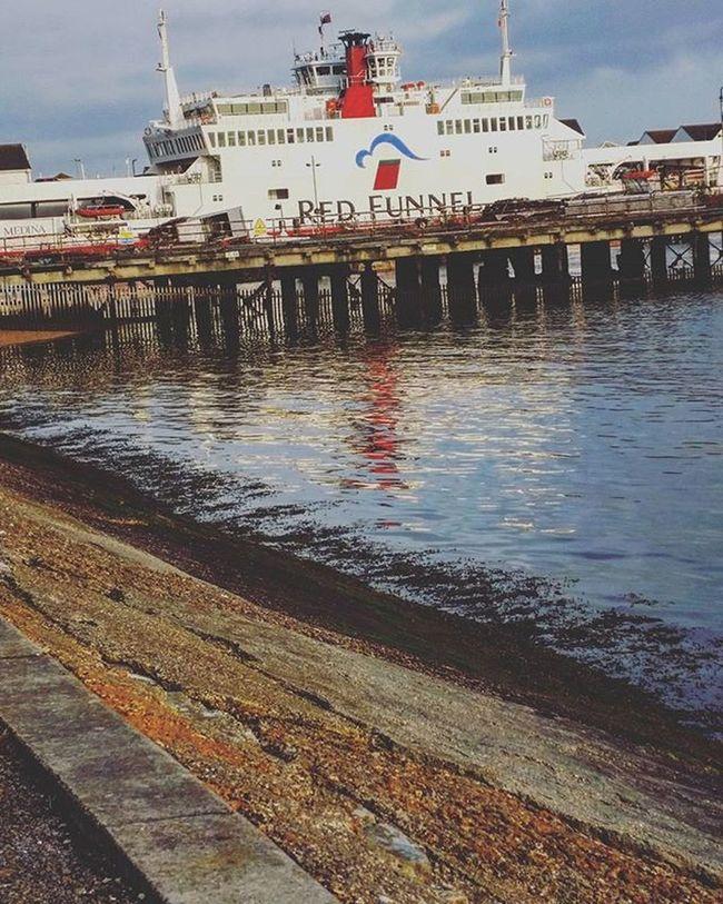 Likeit Loveit Goood Mayflowerpark Bluesky Redfunnel Boat Reflection Bluesky Beach Beautifulday Lushview