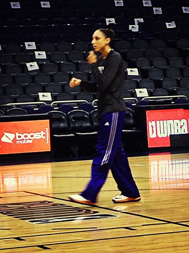 Diana Taurasi warming up before the game. Wnba Basketball Sport Check This Out