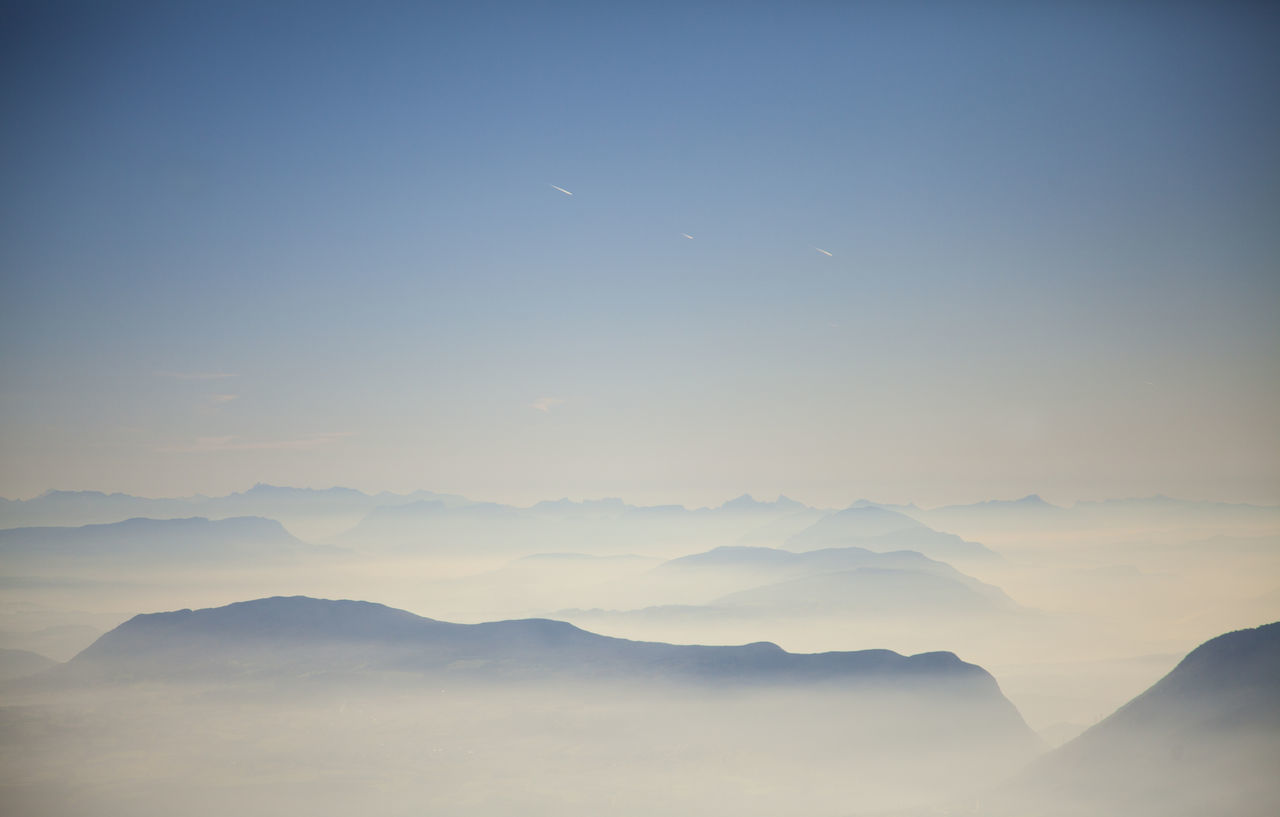 Beautiful stock photos of flugzeug, Beauty In Nature, Day, Fog, Foggy