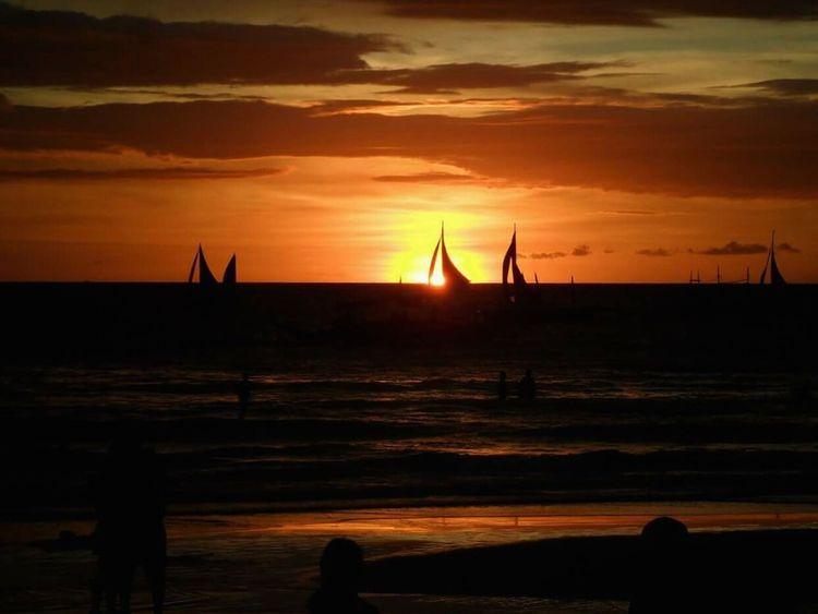 Chasing sunsets... Sunset Horizon Over Water