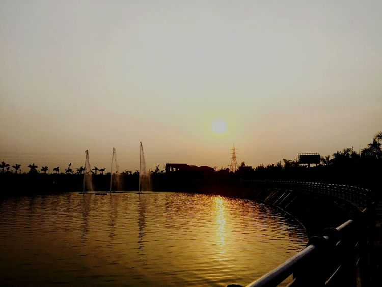 Sunset Sunset Silhouettes Sunsets Sun Nature Photography Nature Lake Lucknowdiaries Lucknow India Phoneonly Iphonecamera