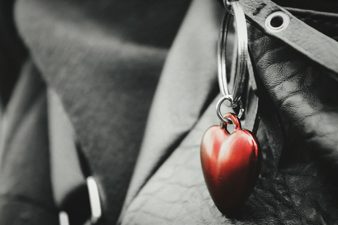 ~ 🍃✴~ Close-up Red Freshness Day Emotions Getting Inspired Light And Shadow Heart Pendant Black & White Colorsplash Leather Outdoors People Lines And Shapes Full Frame Love Bag Communication Shapes Form Macro Macro Beauty Details Monochrome