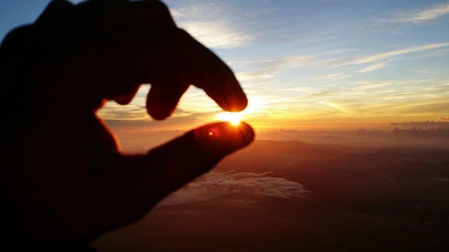Sunrise Fujisan Japan Sunrise_Collection Fingers Climbing Sun Sky Vpb18 Hello World Freedom Clouds Beautiful Awesome Nature Nihon