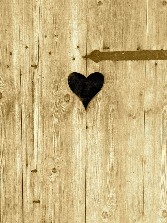Textures and surfaces,texture, background Abstract Backgrounds Background Backgrounds Brown Close-up Door Door With Heart Heart Hospitality Love Old Texture Textured  Textures Textures And Surfaces Vintage Welcome Welcome Home Wood Wood - Material Wooden Home Sweet Home Home Is Where The Heart Is Heart ❤