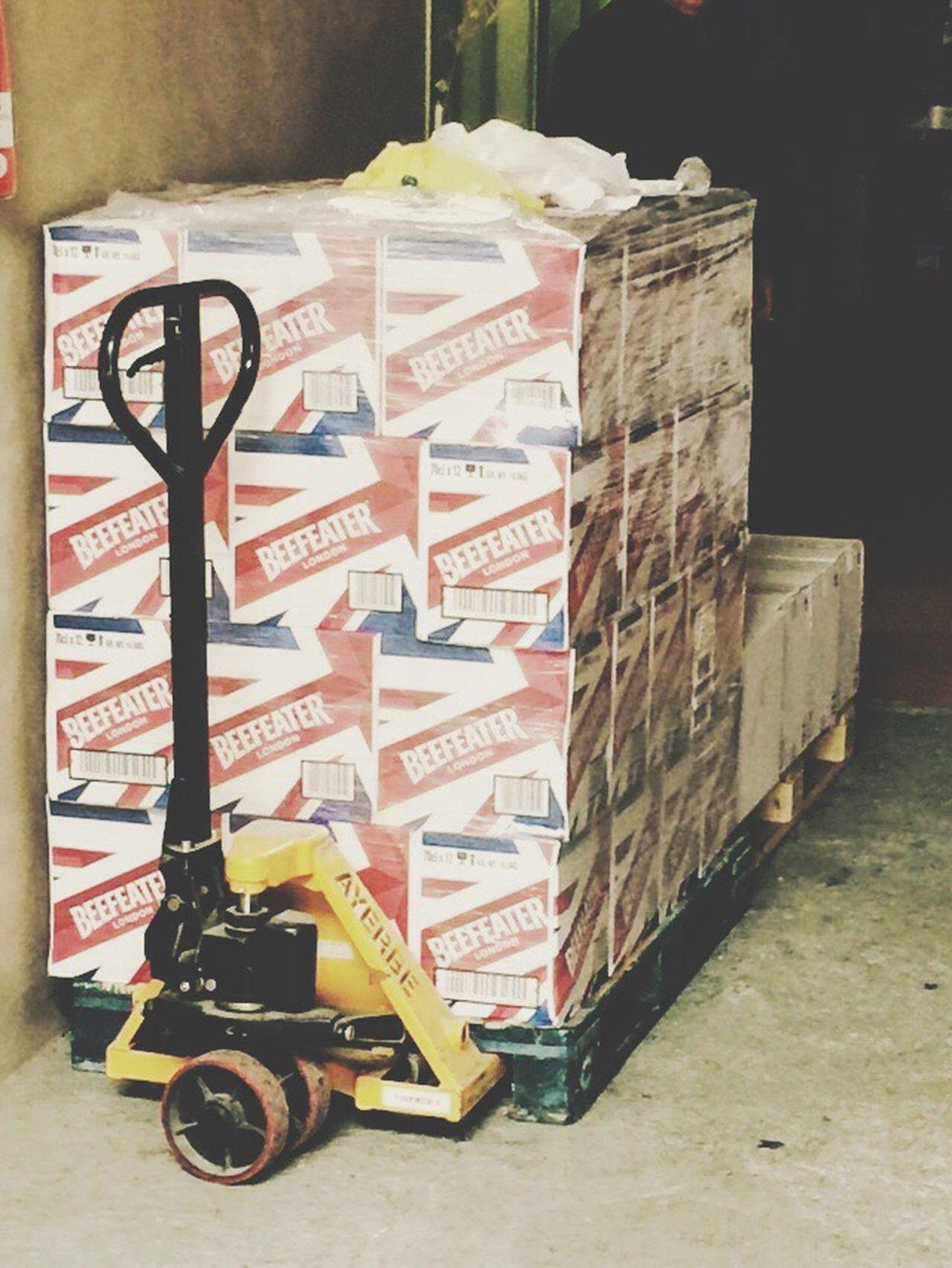 Precision Boxes Drinks Taking Photos Wheelbarrow Hard Worker Need Precision