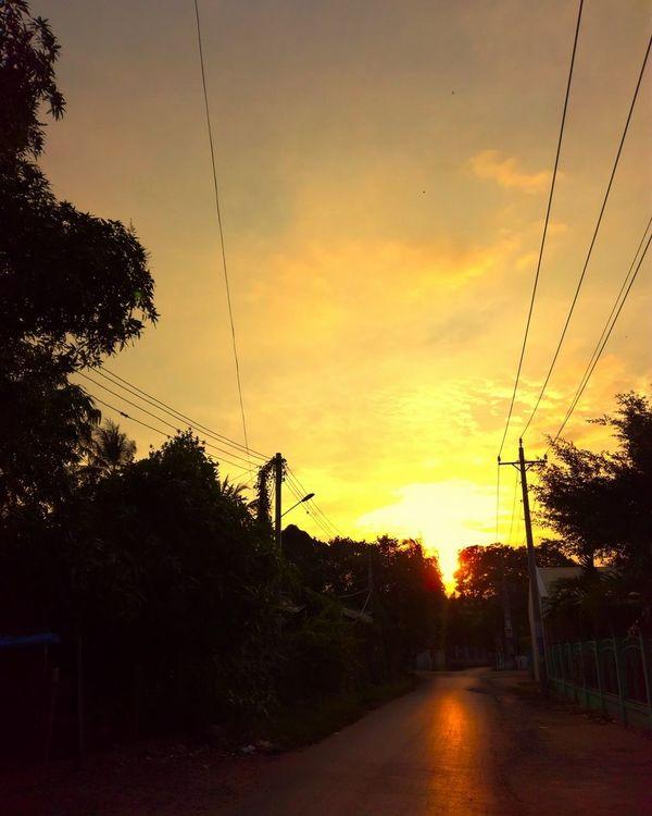 Sunset Sky Cloud - Sky Nature Day Tree Sky And Clouds First Eyeem Photo Vietnam Daily Life Vietnambeauty Vietnamphotography Vietnam Landscape Clouds Beauty In Nature Sun Countryside Gr5 Huawei Vietnamese Tree🌳
