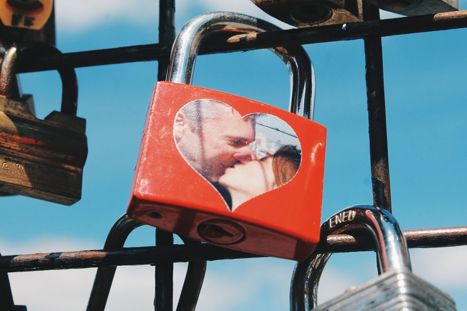 Beautiful stock photos of valentinstag, hanging, heart shape, metal, close-up