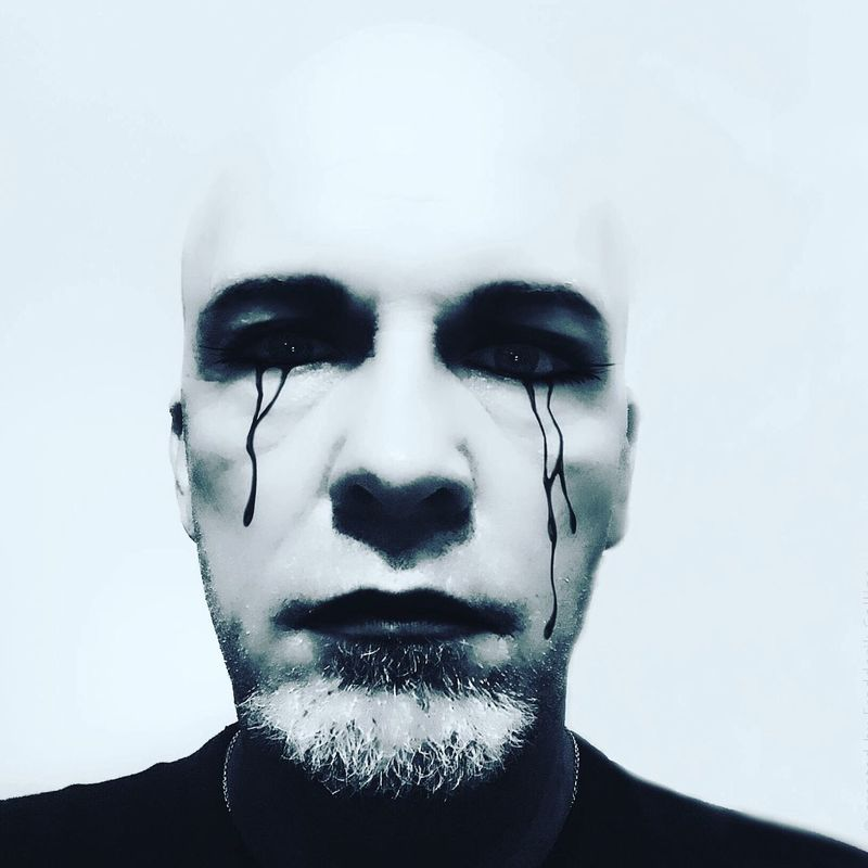 A sad clown does not have to be an aggressive and brutal clown. Please do not confuse these things in the time of Halloween! Fredderik Collins Halloween Sad Clown  Clown Actor