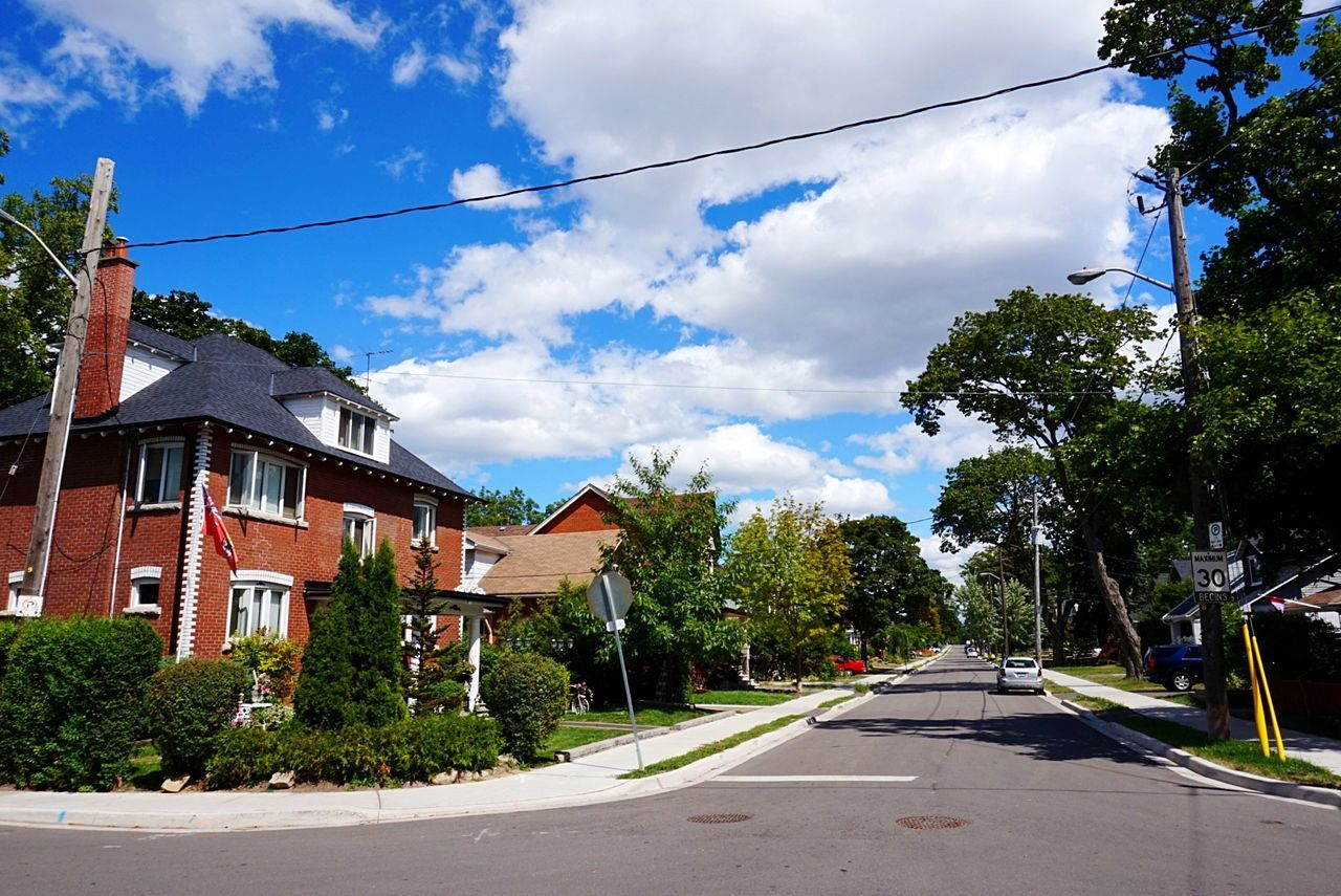 Toronto Sky Street House Outdoors No People City Cloud - Sky Ontario, Canada Canada Weston トロント オンタリオ州 カナダ 2016 Summertime Day Tree Road Cable Building Exterior Architecture Built Structure Telephone Line Nature EyeEmNewHere