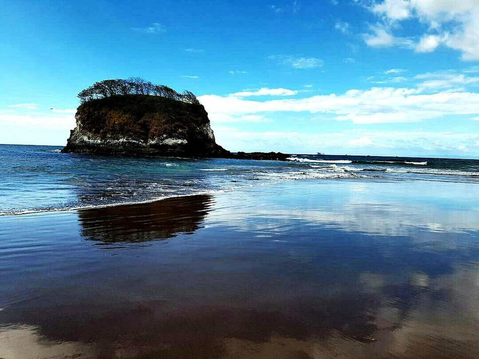 Reflection Nature Sky No People Sea Water Scenics Day Outdoors Astronomy Full Length Ocean Vacations Travel Destinations Sand Waterfront Mountain Costa Rica Horizon Over Water Beach Photography Tree Nature Puravida