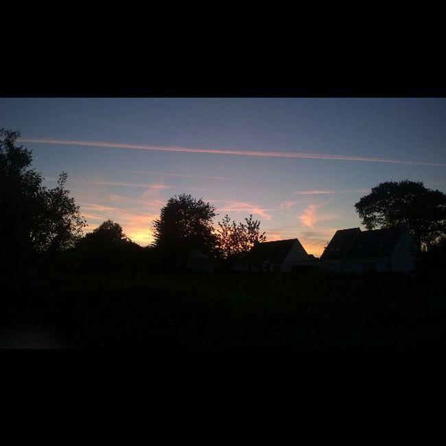 Tonight's Sunset in Taupont / Le Coucherdesoleil de ce Soir à Taupont Morbihan Miamorbihan Bretagne Breizh Jaimelabretagne Fansdebretagne Bretagnetourisme Ciel Soleil Nuit Sky Sun Night Tramonto Anochecer Cielo Sole Sol Instagram Instasunsets Trees arbres