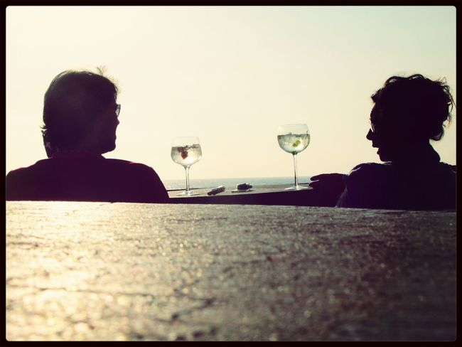 Two drinks a chat a see the amazing sun ... Eye For Photography Taking Photos Great Atmosphere Drinking