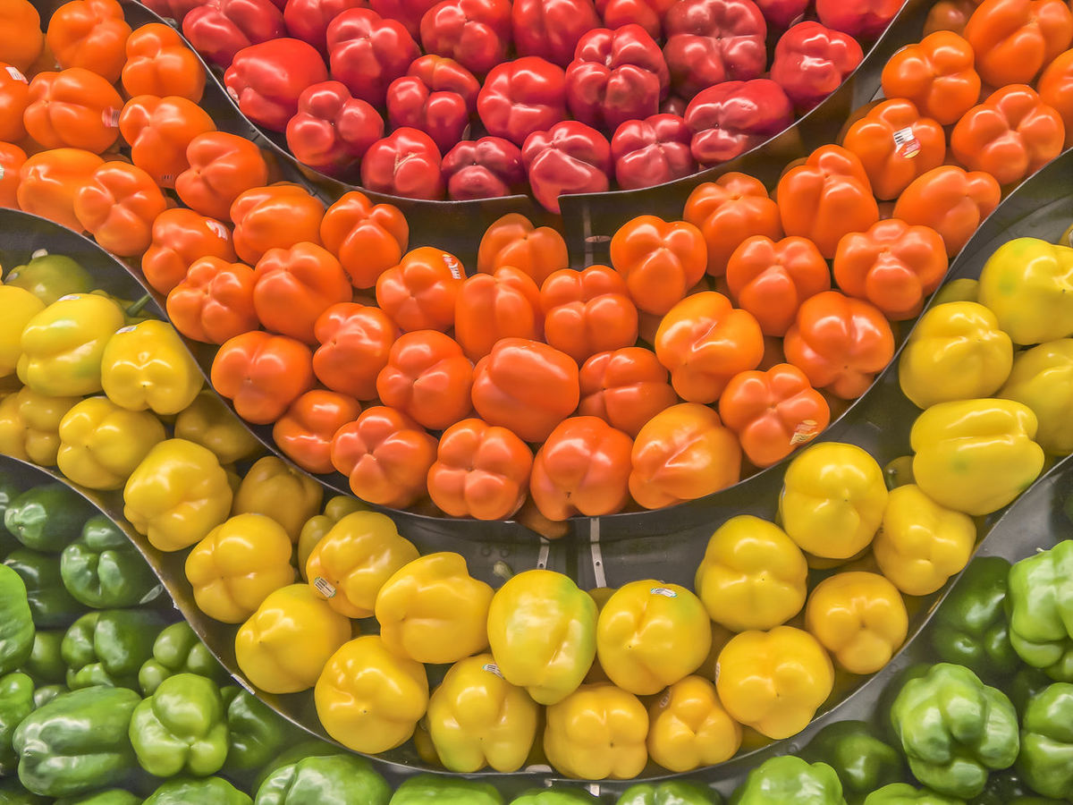 Bill Pepper Backgrounds Bill People Chilli Food For Sale Freshness Healthy Eating Large Group Of Objects Market Market Stall Orange Color Organic Pepper Sale Sweet Pepper Sweet Pepper Sweet Peppers