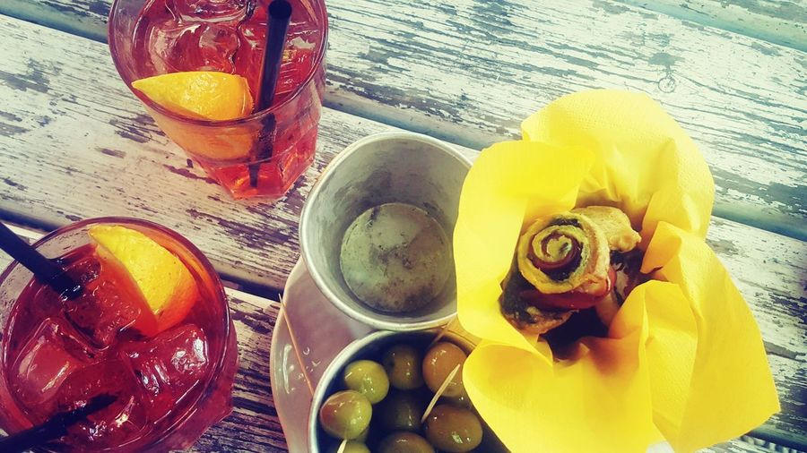 TheLoveOfmoments LoveYourself Sharelove Bepositive LoveTravel Spritz Table Italia Summer2017🌞 Freespirit Yellow Food And Drink Indoors  No People Wood - Material Freshness Day Close-up Positivevibes Goodvibrations Lovesmile Goodvibes🌾🌼✌️ Lovelifelaugh👏 LoveLife❤️