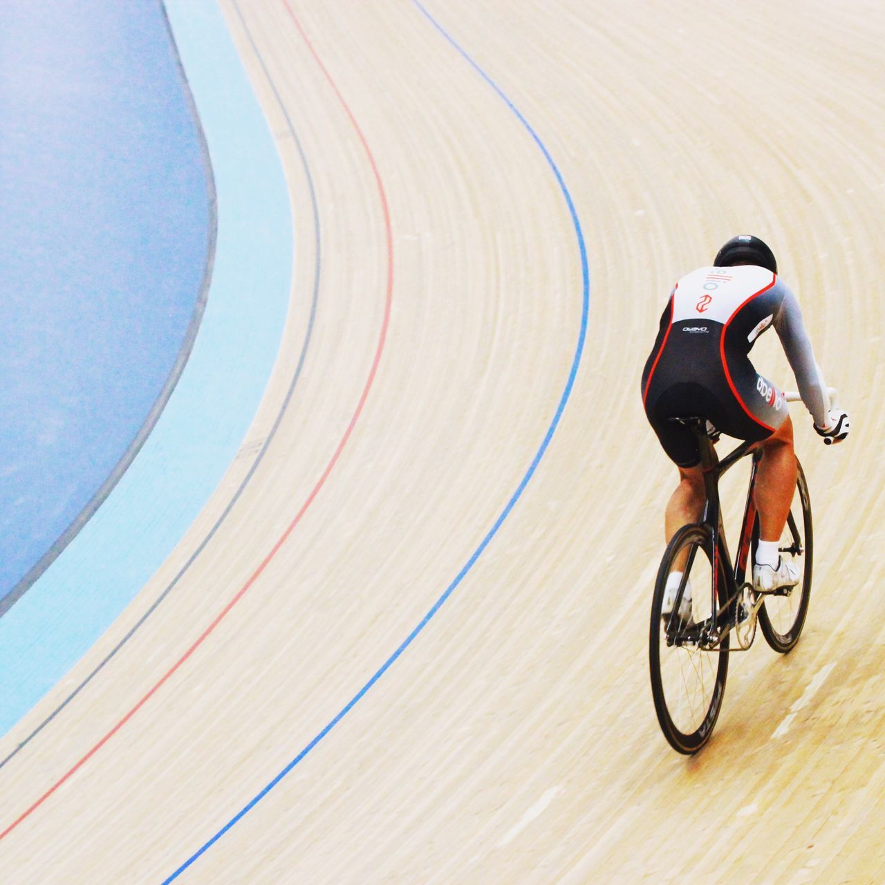bicycle, cycling, sport, sports clothing, competition, men, riding, speed, sports race, one person, motion, transportation, sports track, racing bicycle, exercising, day, outdoors, sportsman, full length, competitive sport, athlete, one man only, people