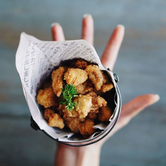 Once pop you can't stop! 😉 Showcase: February Popcorn Chicken Hands In Frame Fried Chicken Food Food Porn