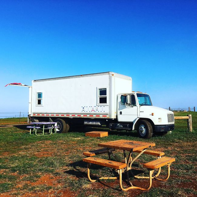 Food truck (bbq) at top of the hill. Relaxing Chilling Composition Wanderlust Travel IPhoneography Moments Hawaii Capture The Moment Foodtruck