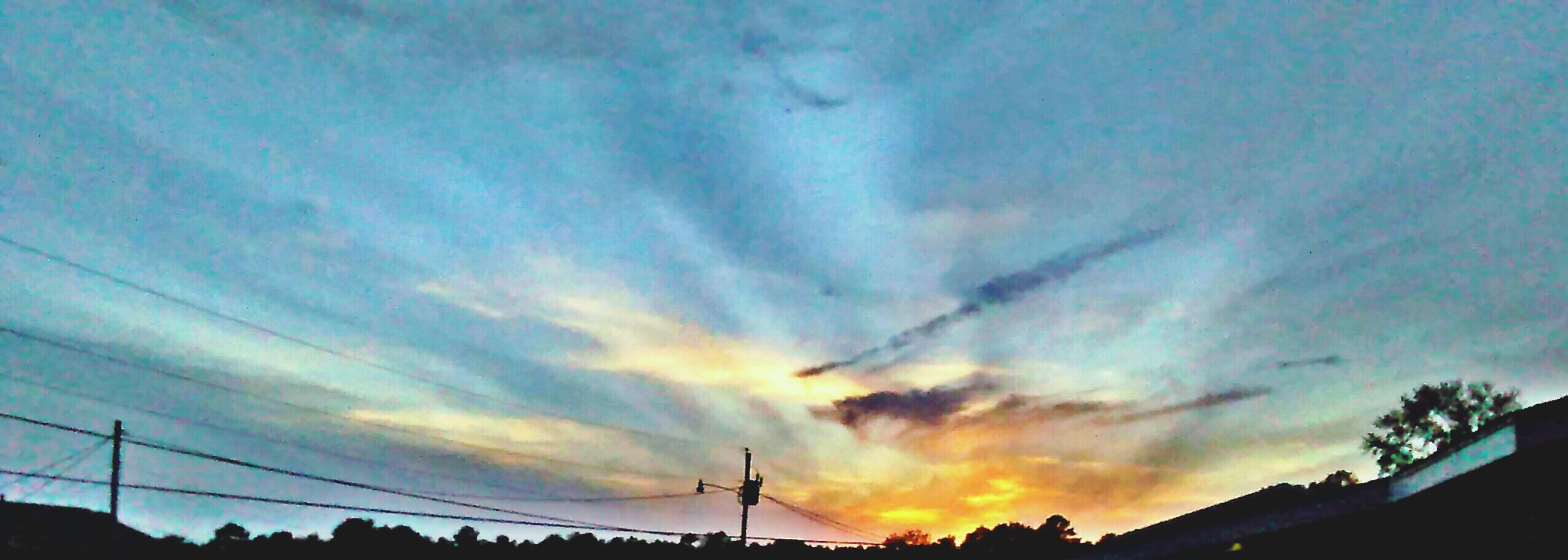 Sunset over my complex. Taking Photos Mobilephotography Sky And Clouds Landscape #Nature #photography HDR Hdr_Collection