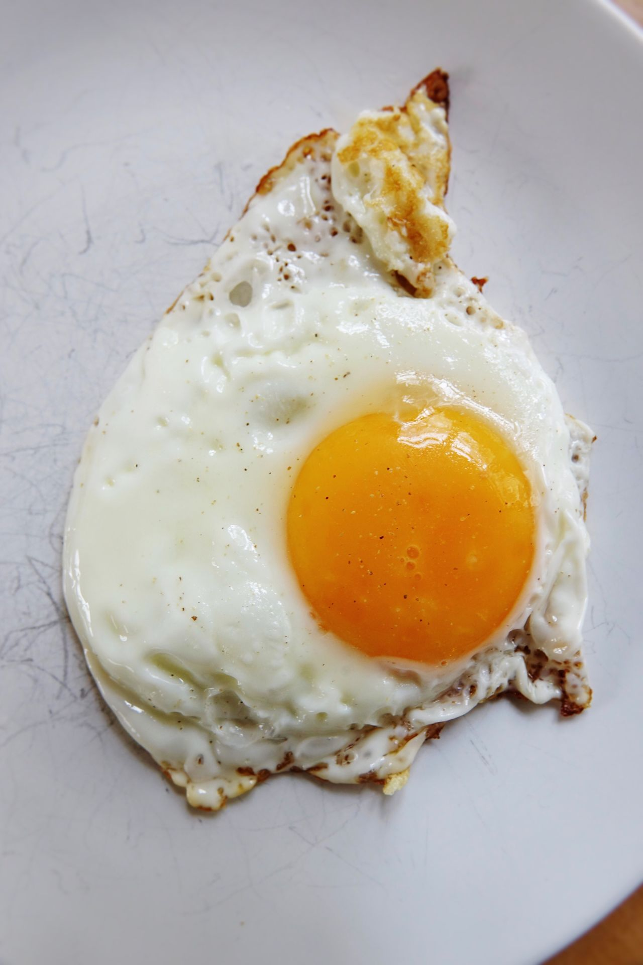 Eier Spiegelei High Angle View Plate Food And Drink Food Breakfast Cooking At Home Cooking Friedeggs Friedegg Fried Egg Eggs...