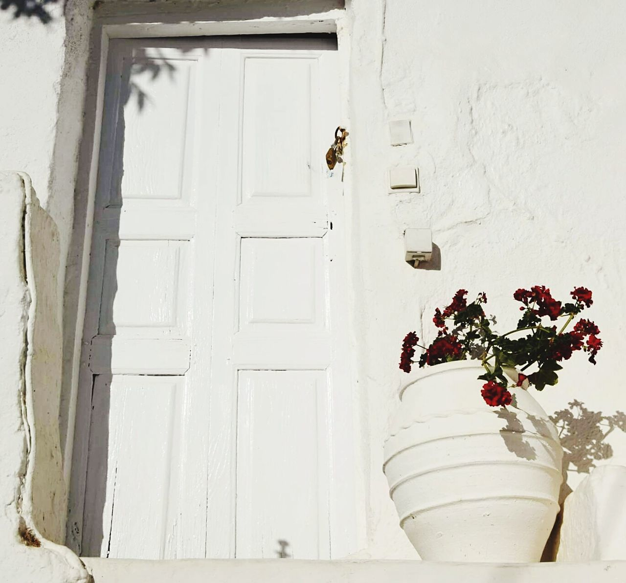 Santorini.Greece Door No People Day Outdoors Close-up Architecture Building Exterior Travel Tourism Photo Of The Day Photography Greece EyeEmBestPics Oia Hellas Travel Destinations 3XSPUnity EyeEm Gallery Eyeemphotography Picsoftheday Summer Santorini Island Highcontrast HighContrastPhotography EyeEmNewHere