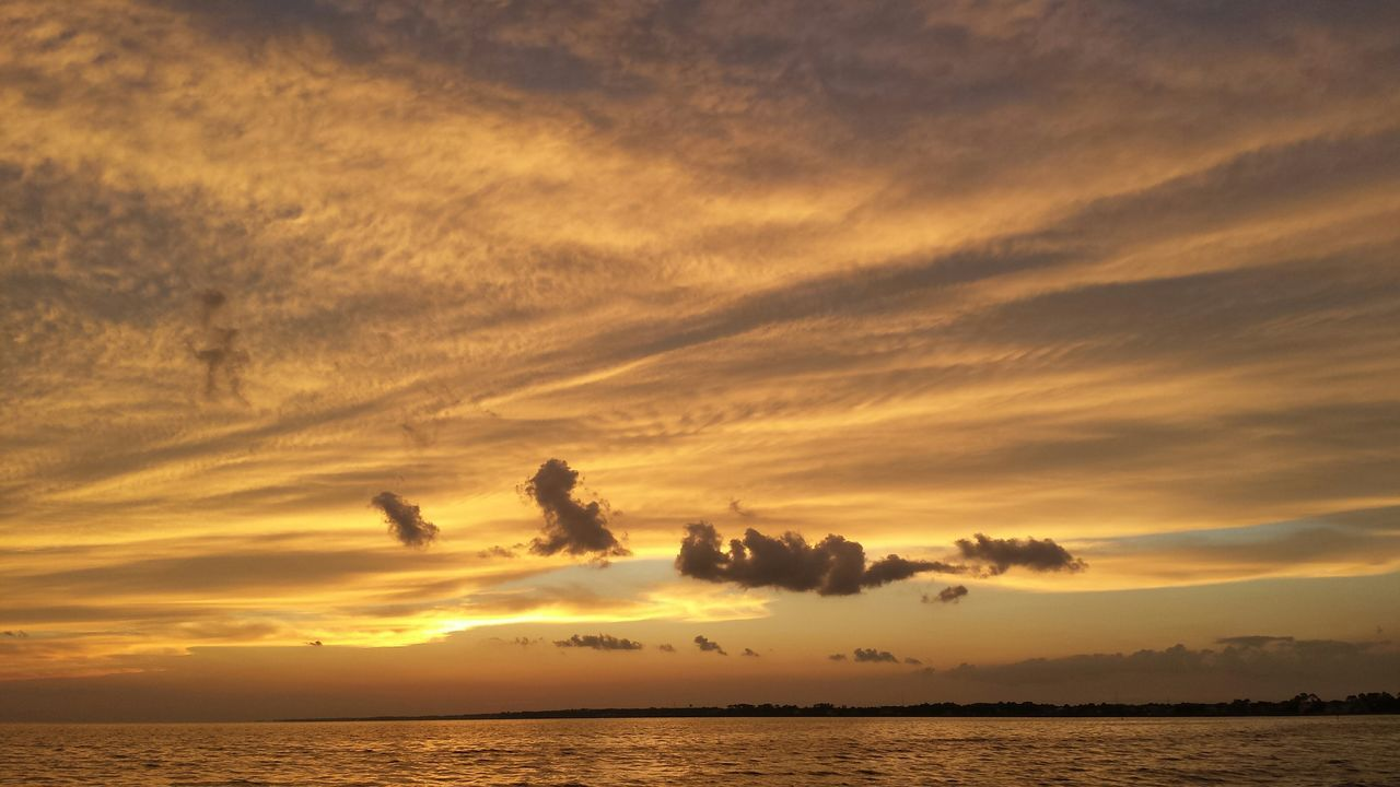 Sunset at Navarre Beach tonight! Beautiful Sunset Taking Photos Sky And Clouds Clouds And Sky Navarre Navarre Beach Natural Beauty Sunset