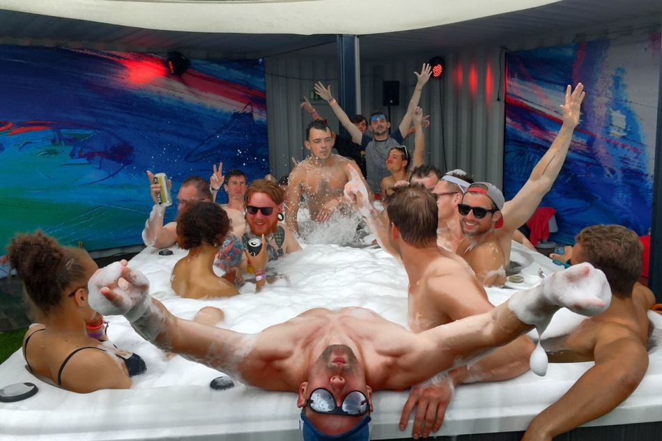 Airbeatone Party Time Techno Festival Check This Out Hottub Time Bubbledays 2016 Taking Photos Good Times Photography Enjoying Life OpenEdit Relaxing Festival 2016 Cheese!
