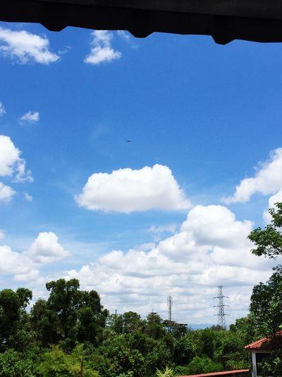 Overhead ✈️
