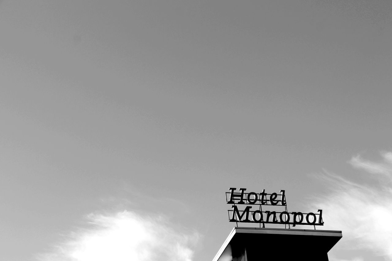 Blackandwhite Black And White Hotel Cloud - Sky Architecture Stpauli Reeperbahn  Hamburg The Architect - 2017 EyeEm Awards Neighborhood Map BYOPaper!