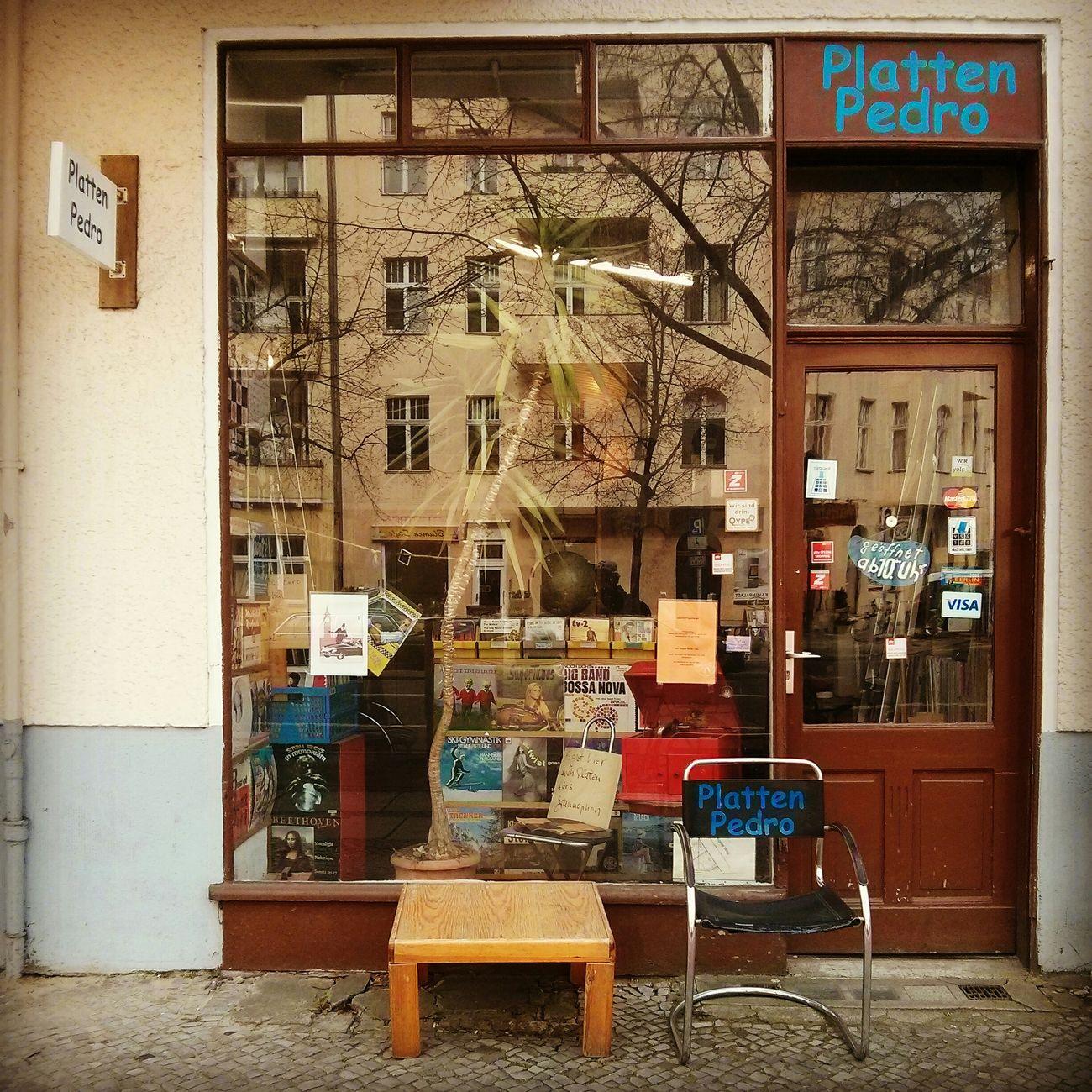 Music shop Berlin Charlottenburg  Vinyl Records Pedro Platten Myfuckingberlin