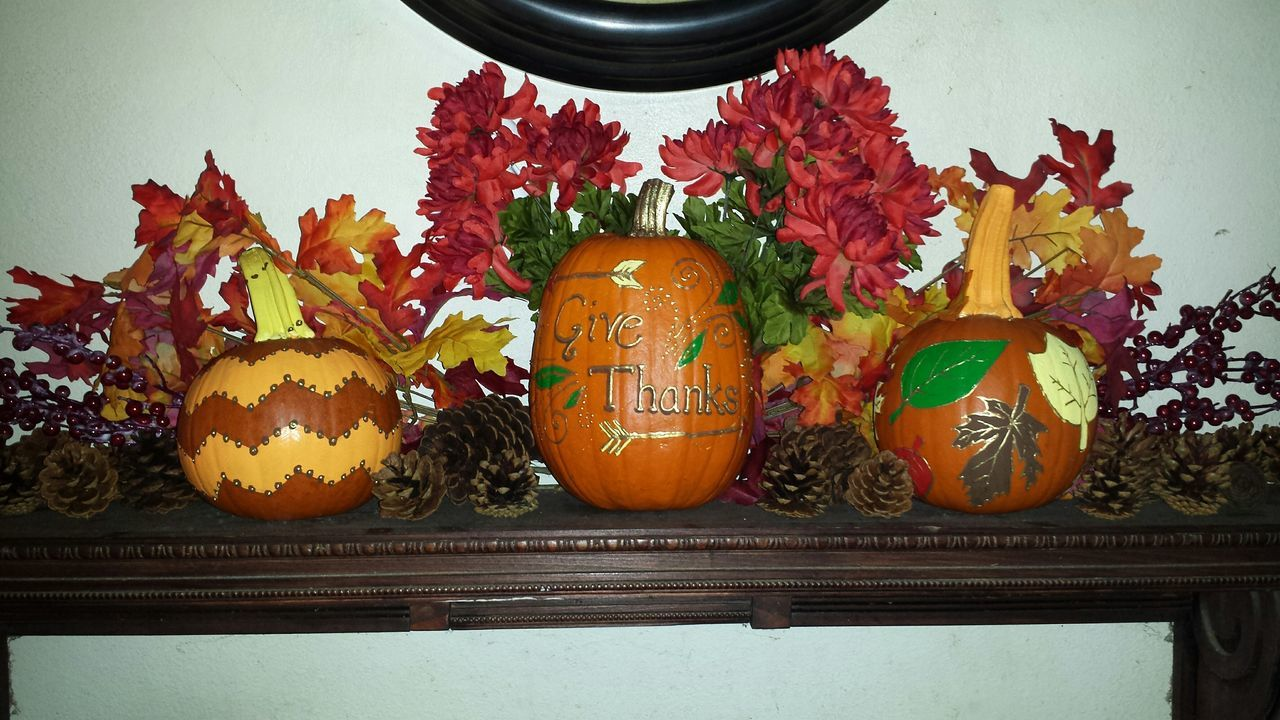 Thanksgiving Happy Thanksgiving Decorations Autumn Fall Leaves Decor Painted Pumkins Pinecone Cranberries